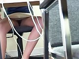 Pervers filme la culotte de sa secrétaire