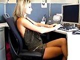 Secrétaire - Elle se fait baiser au bureau par son patron