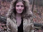 Jolie jeunette sodomisée dans un bois par un…
