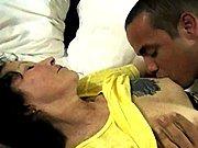 Jeune mec baise une cougar mature en…