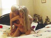 Vieille femme sensuelle baise avec son voisin
