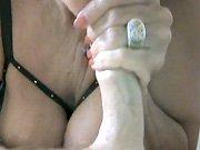 Une mamie française aux gros seins en train…