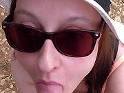 française - Cette salope lui suce la queue et avale tout son sperme
