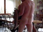 française - Je baise ma femme sur la table à manger