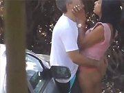 Un cycliste se baise une pute dans…