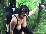 Je baise ma femme dans les bois