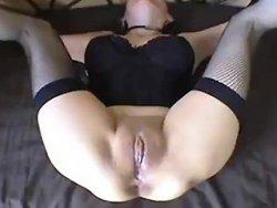 sodomie - Une mature offre son anus à la queue de son mari